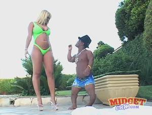 Tall woman video midget porn the sounds