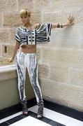 http://img298.imagevenue.com/loc382/th_281131269_Rihanna_PhotocallRatedRinSydneyAustraliaFebruary14201020_122_382lo.jpg