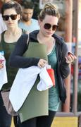 http://img298.imagevenue.com/loc416/th_153310338_Hilary_Duff_Going_To_Pilates_in_Studio_City11_122_416lo.jpg