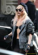 [Image: th_73010_Lady_Gaga_14_122_431lo.JPG]