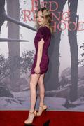 http://img298.imagevenue.com/loc487/th_579708729_Amanda_Seyfried_LA_Premiere_of_Red_Riding_Hood15_122_487lo.jpg