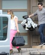 http://img298.imagevenue.com/loc494/th_581909183_Hilary_Duff_Leaving_a_friends_house10_122_494lo.JPG