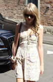 Тайлор Свифт, фото 12194. Taylor Swift Bondi Beach after breakfast at Bill Darlinghurst in Sydney - 08.03.2012, foto 12194